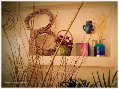 interior atelier cu bete si violete